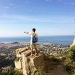 Estudiante de español en la montaña