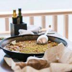 Paella valenciana, plato típico gastronomía de España