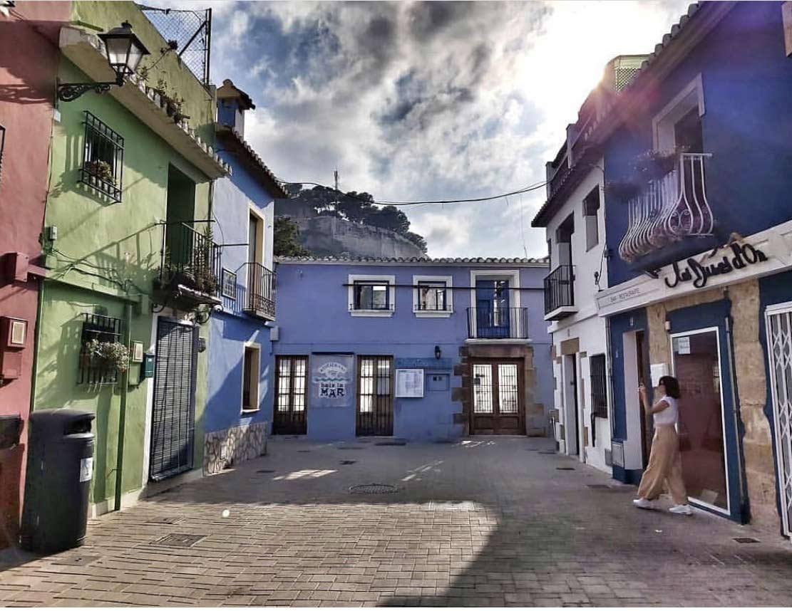 Plaza de Denia en el barrio pesquero