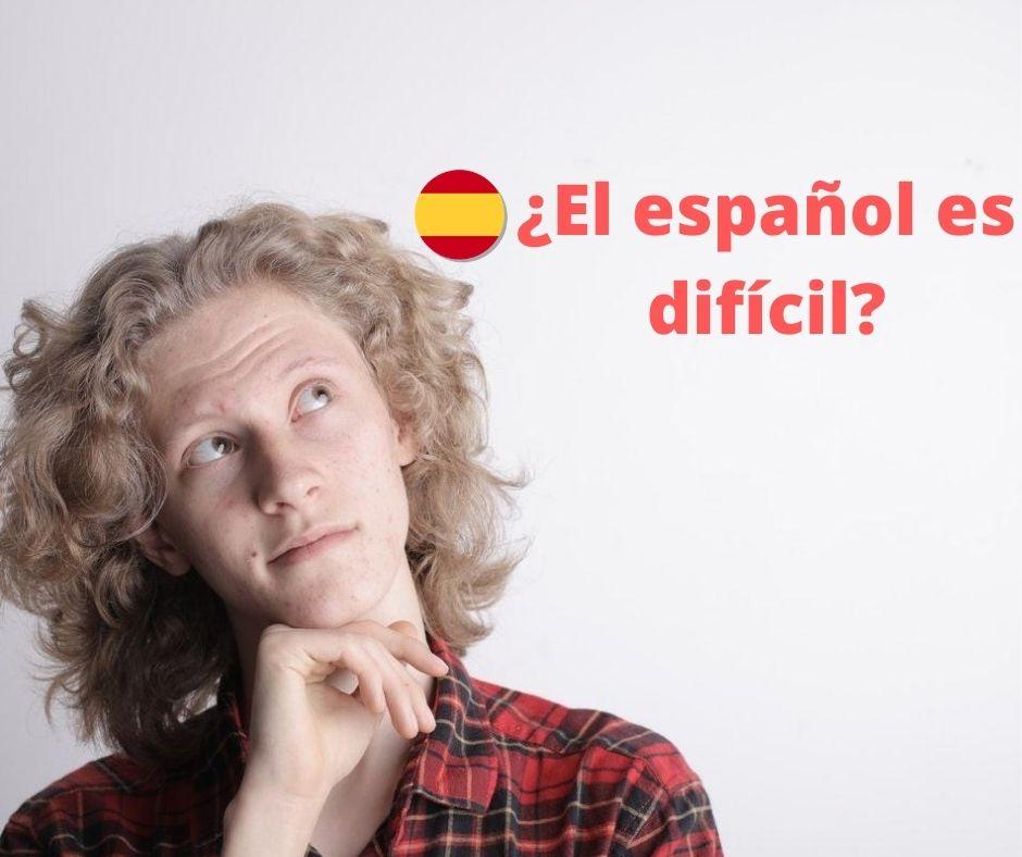 Chico pensando con el título ¿es el español difícil de aprender??