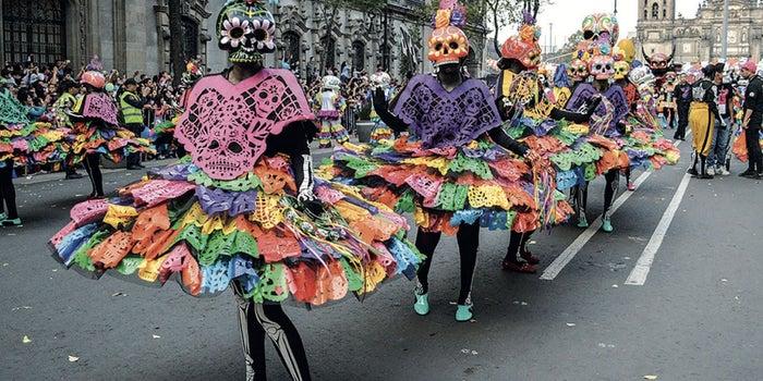 Desfile durante unas fiestas